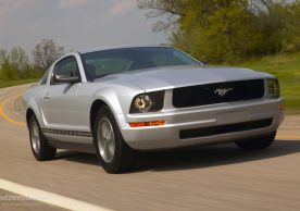 Ford Mustang 2004–2014